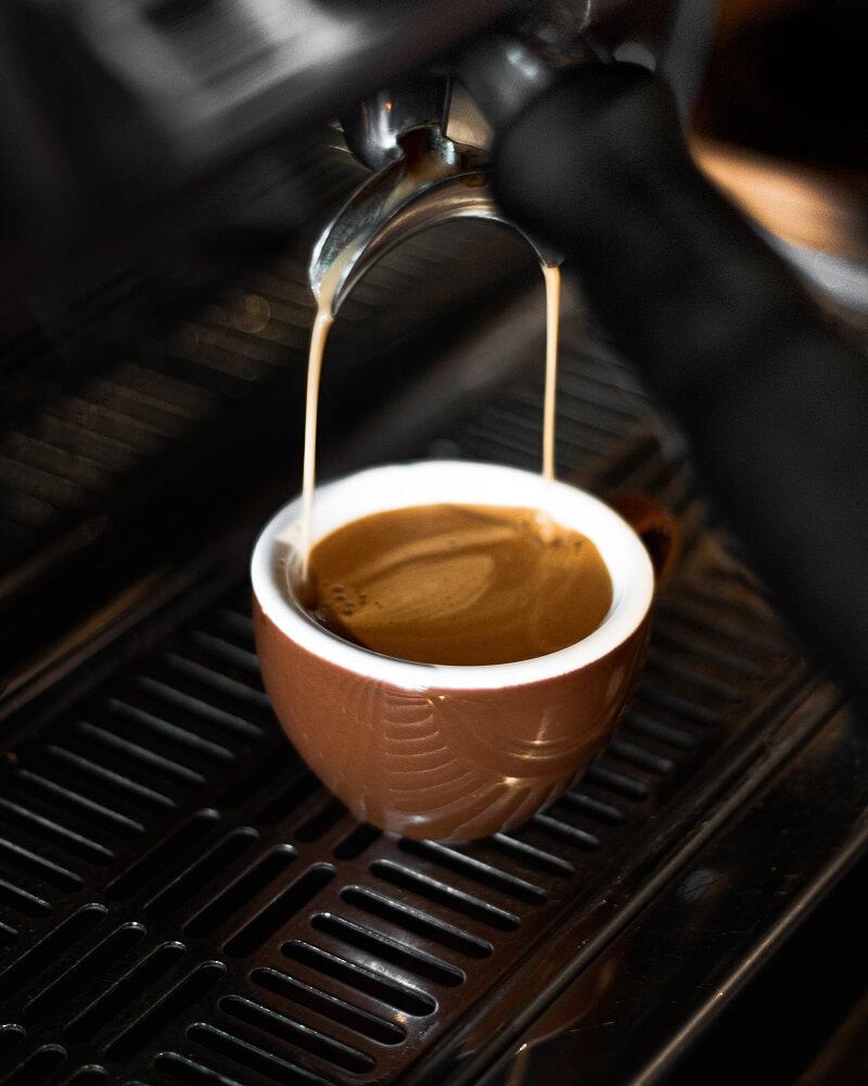 : Espresso aus Gaggia Siebträgermaschine
