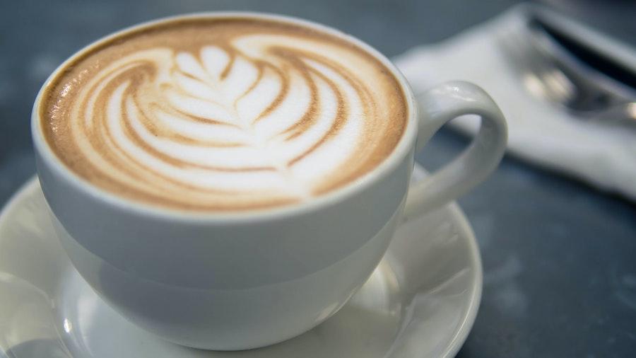 """Cappuccino mit Eilles Kaffee"""