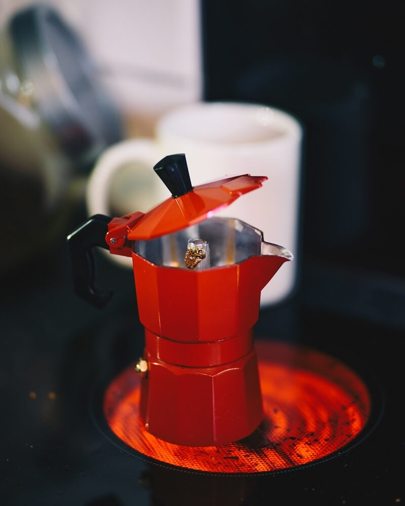 Roter Espressokocher