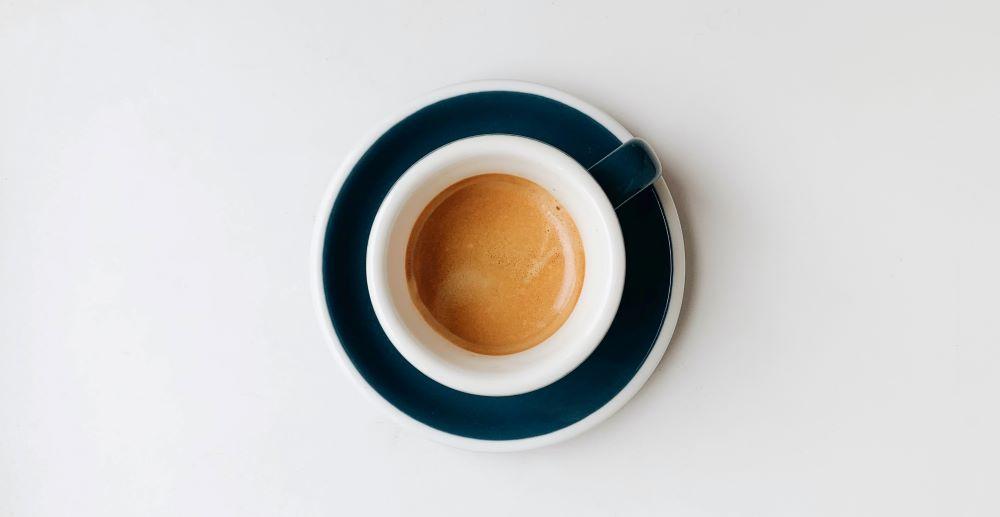 Espresso aus Olympia Express Siebträgermaschine