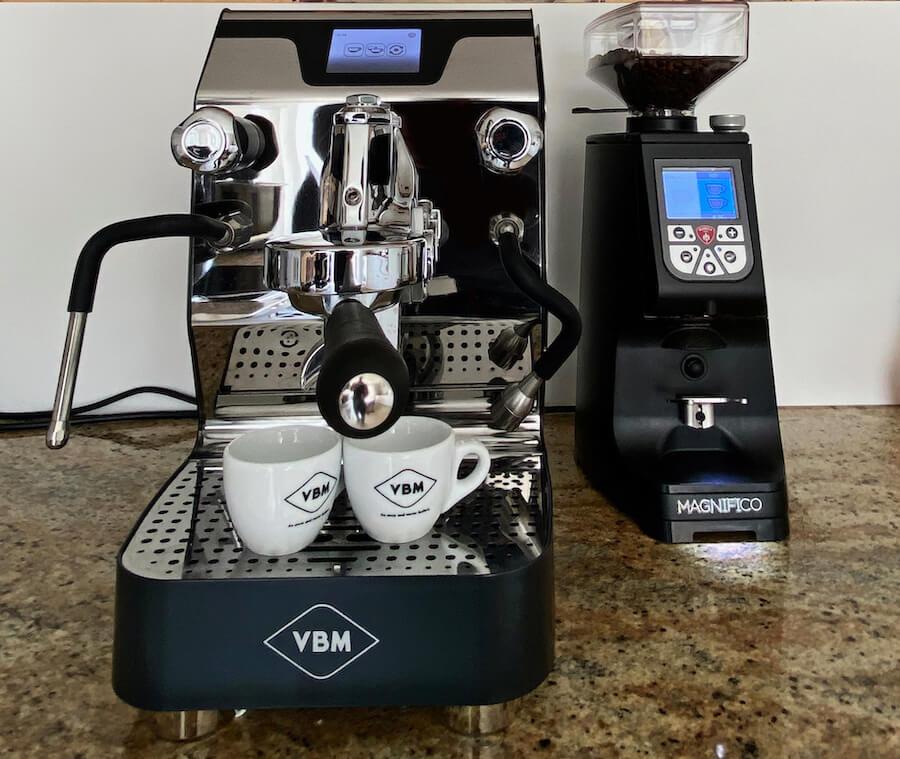 vibiemme siebträgermaschine und kaffeemühle