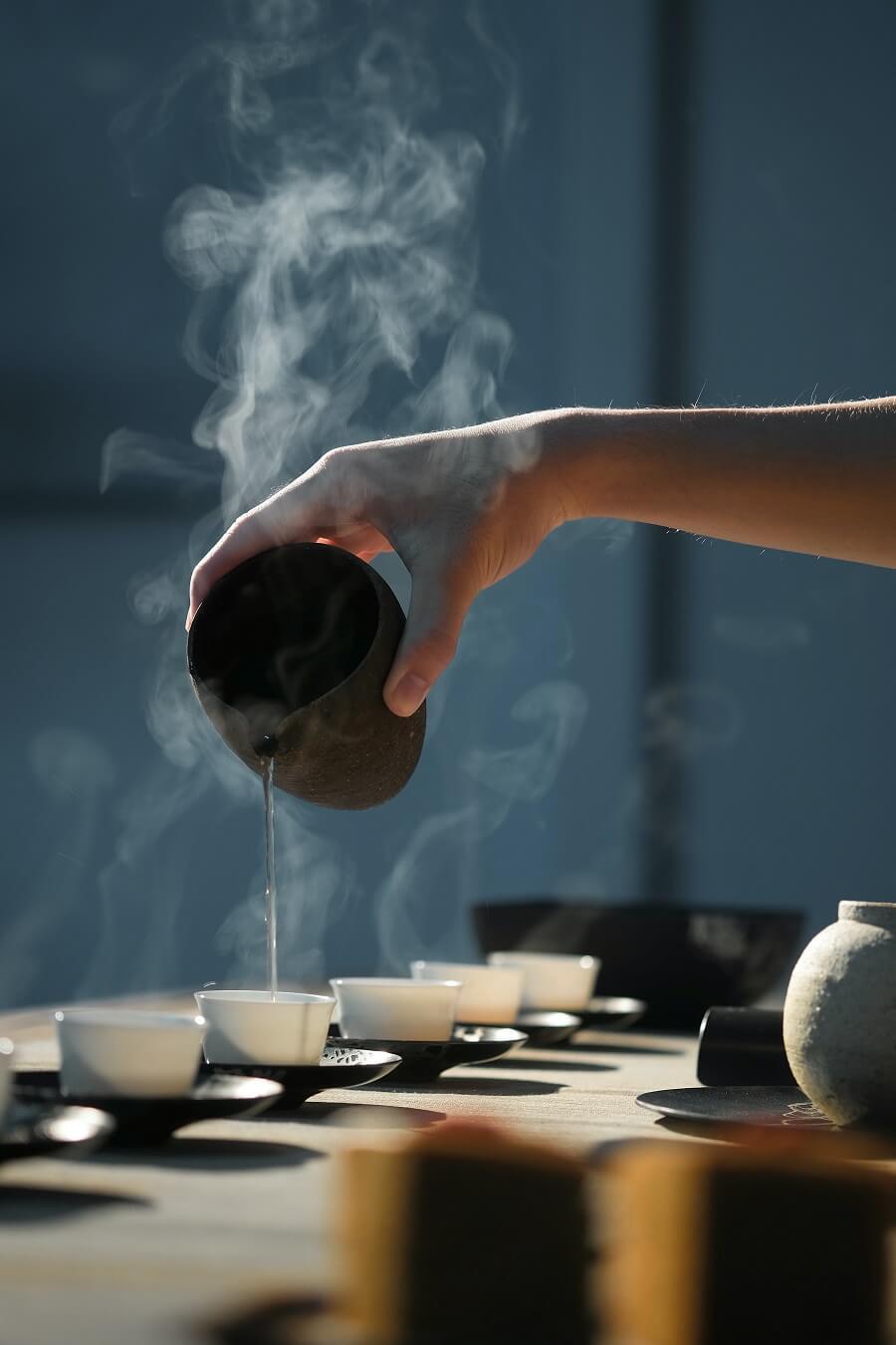 Zubereitung von heißem Tee