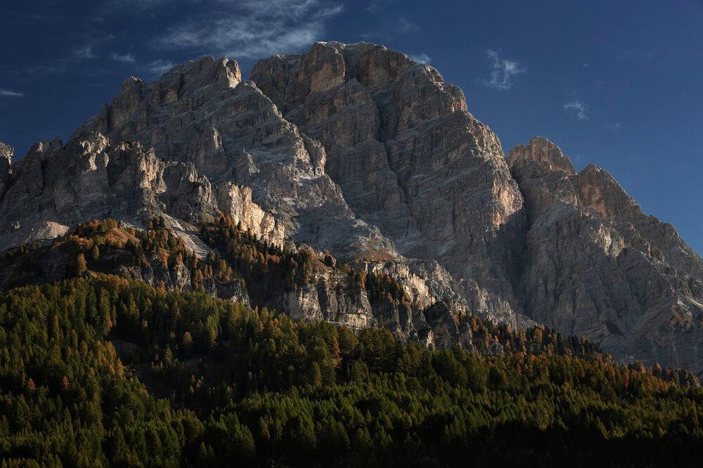 Bergpanorama der Dolomiten
