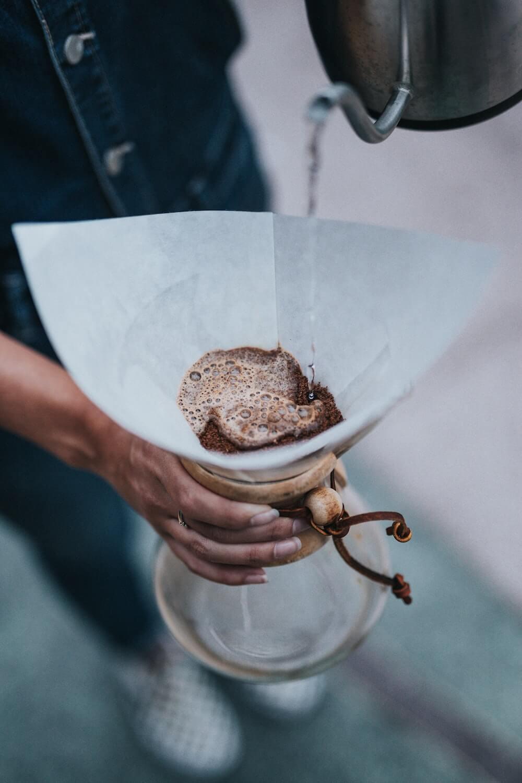 langsame Filterkaffee Zubereitung mit der Chemex