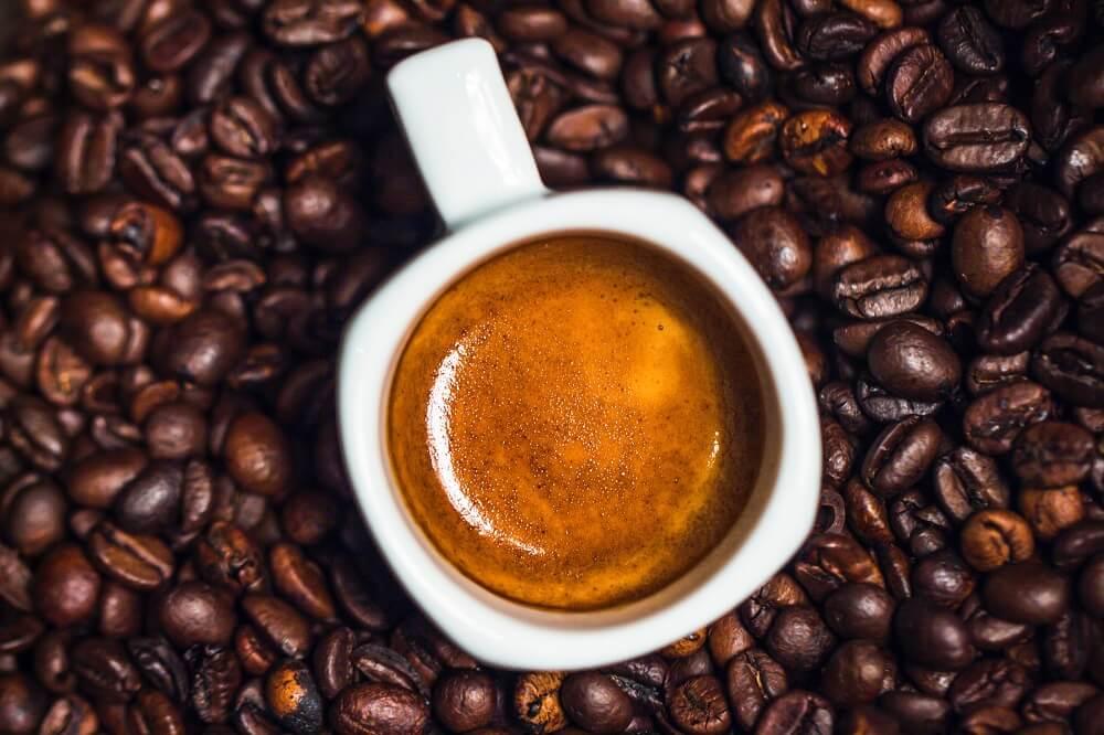 Farmers Voice Espresso mit frischen Bohnen