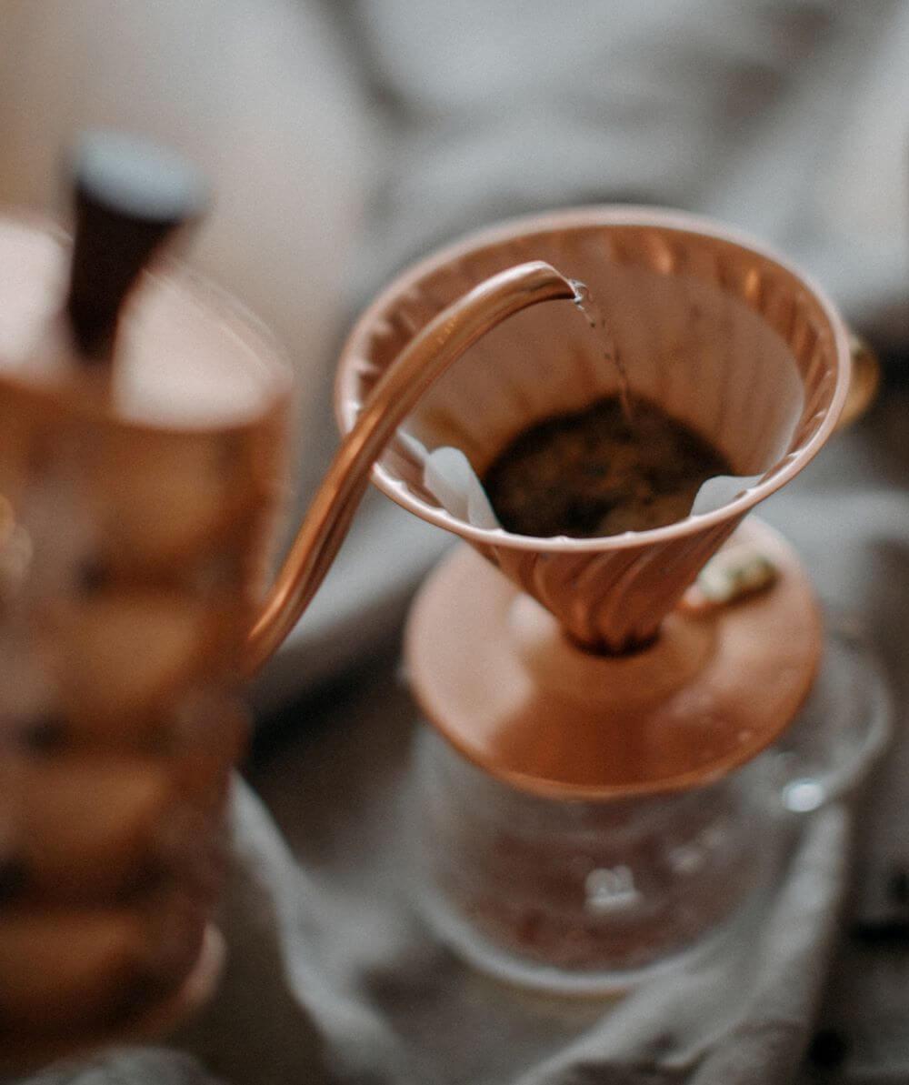 Kaffeefilter auf Kupfer für Filterkaffee