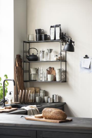 IB Laursen Geschirr in Wohnküche