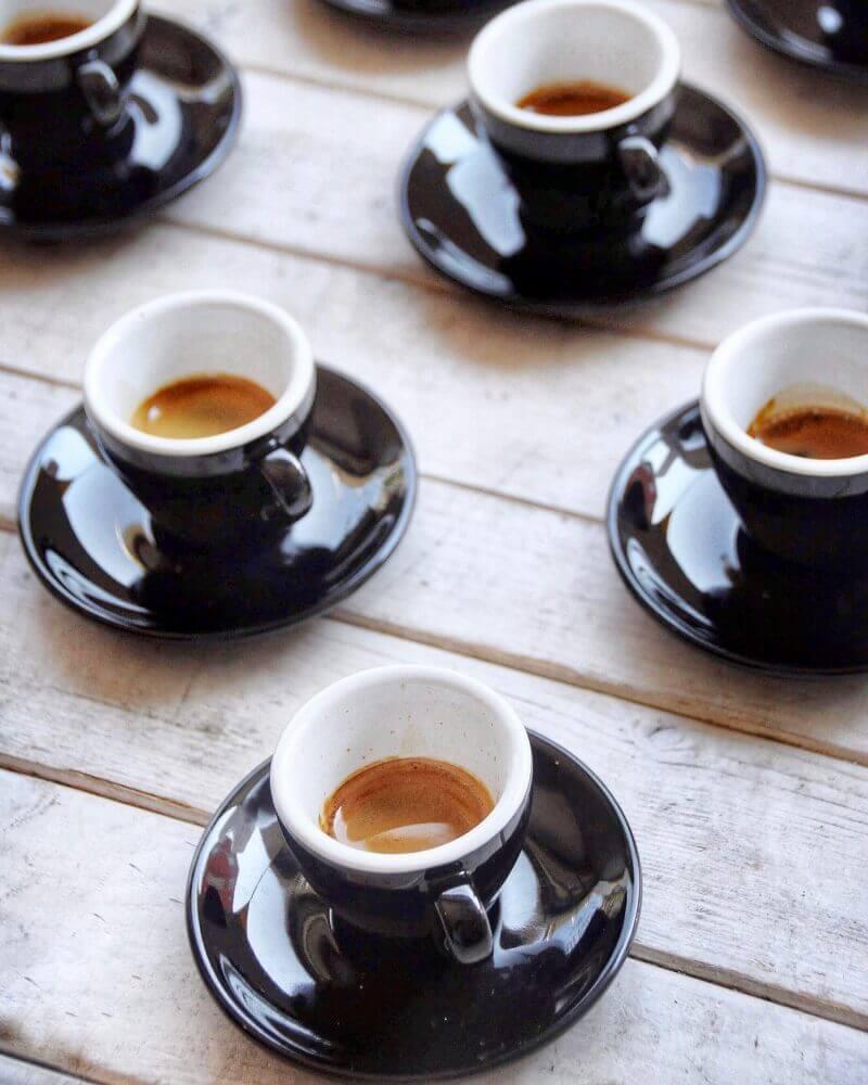 Illy Espresso in Espressotassen