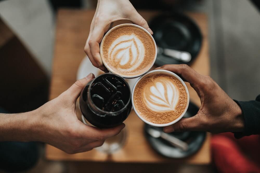 Kaffeegenuss mit Freunden