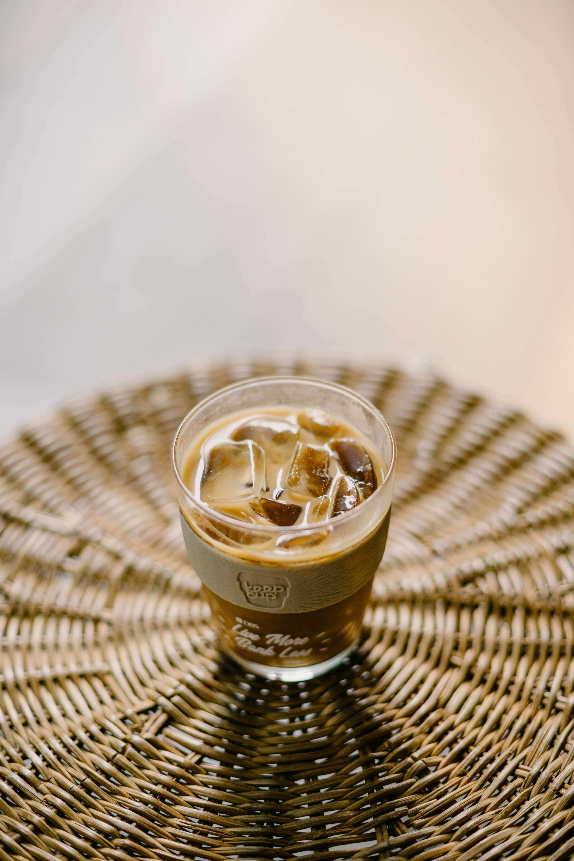 Traditioneller Kaffee aus Vietnam mit gesüßter Kondensmilch