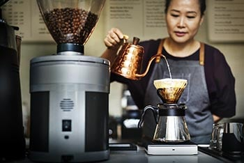 Kaffee aufgiessen