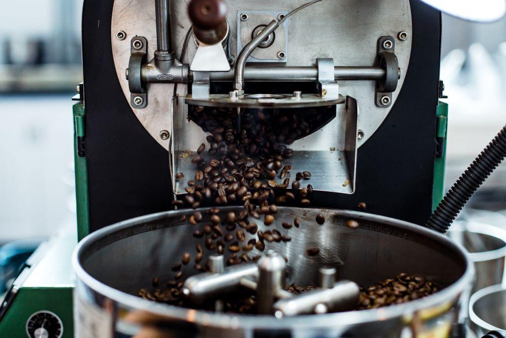 Kaffee für Vollautomaten wird geröstet