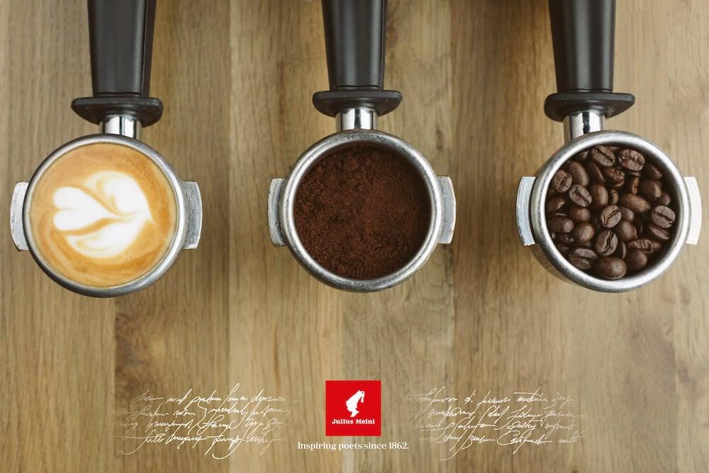 Julius Meinl Kaffeebohnen, gemahlener Kaffee und Cappuccino in Siebträgern