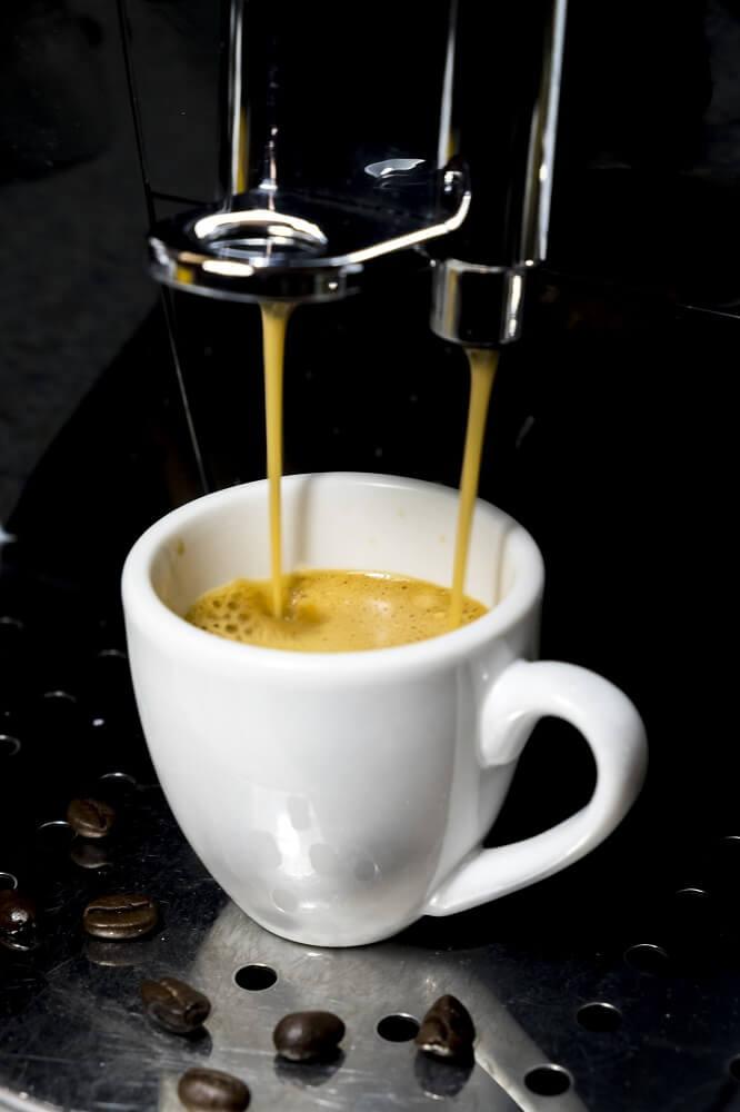 Espresso Zubereitung mit Miele Kaffeevollautomaten