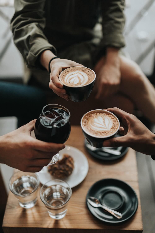 Monsooned Malabar Kaffee im Büro genießen