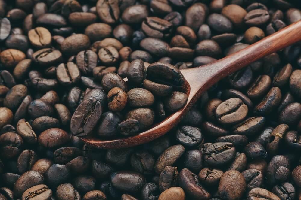 Säurearmer Kaffee Monsooned Malabar Bohnen