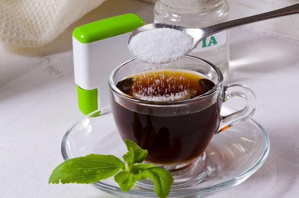 Kaffee mit Stevia Pulver
