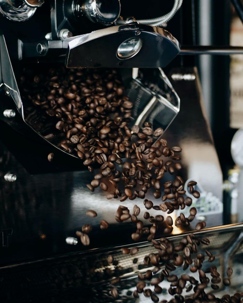 Kaffeeröstung von ganzen Bohnen