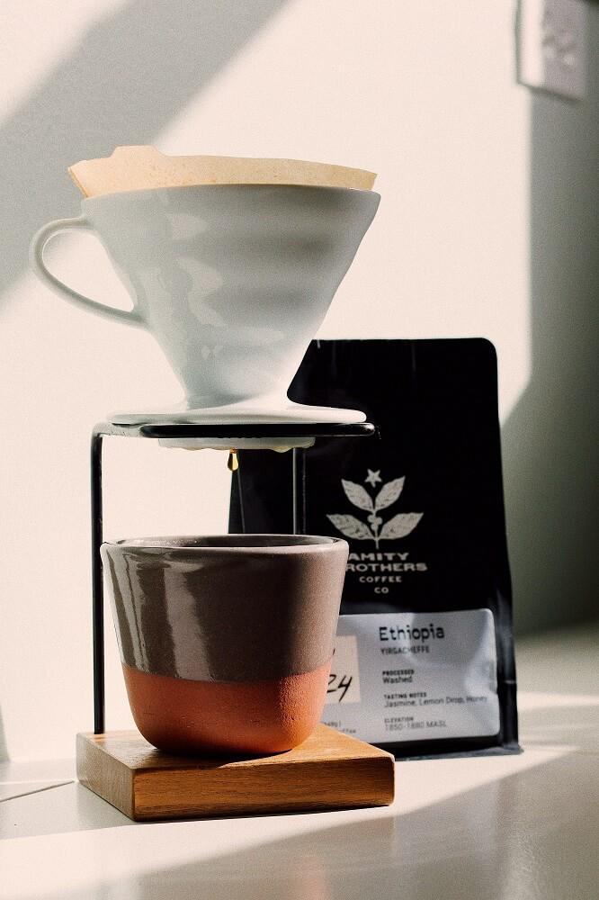 Kaffee aus dem Handfilter Hario V60