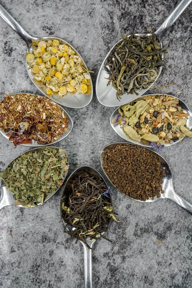Verschiedene lose Teesorten