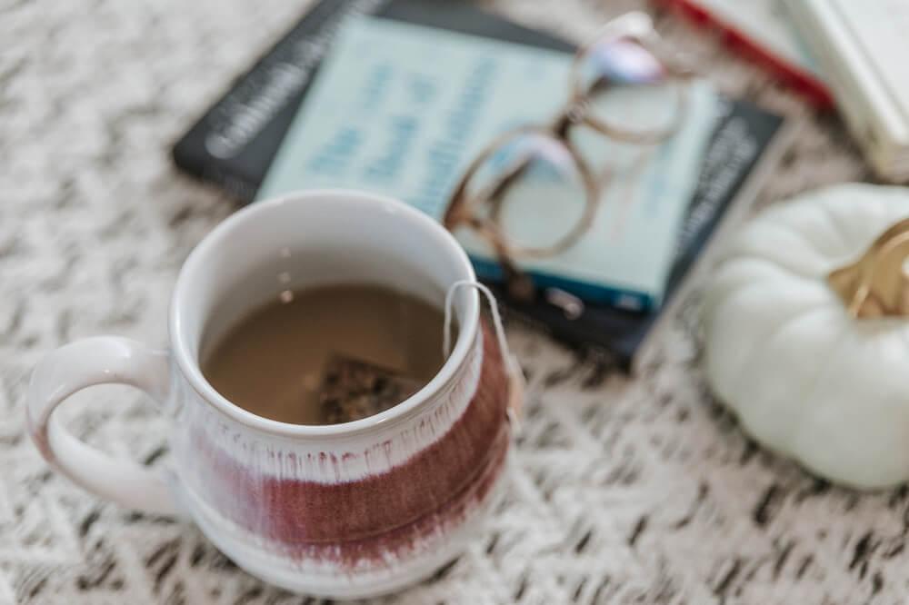 Kleiner Genussmoment mit einer Tasse Tee