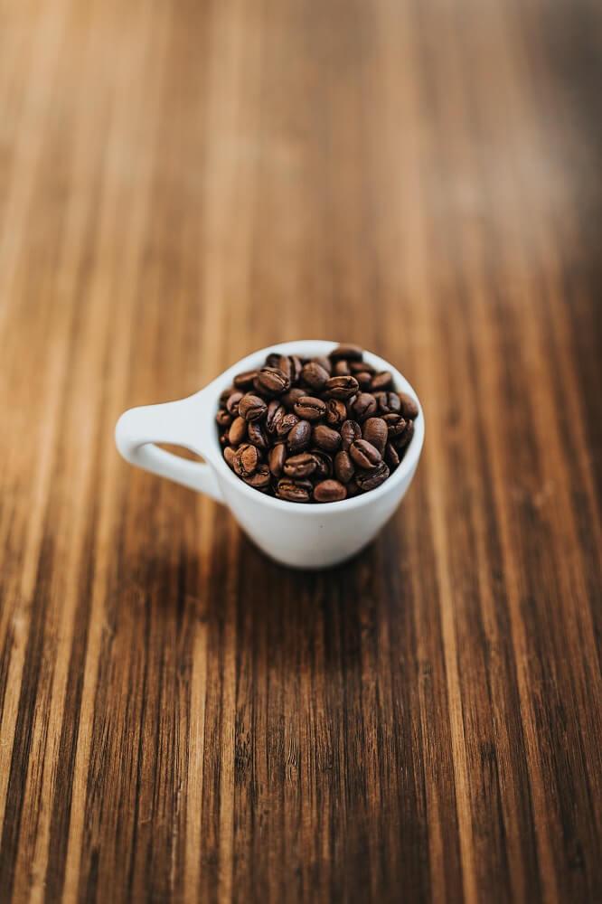 Espressobohnen Tasse